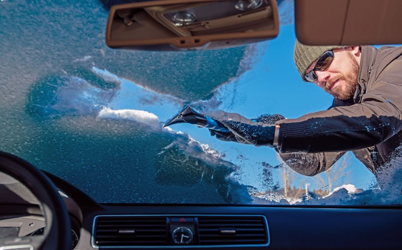 It's Essential To Keep Your Car Windows Clear All The Time