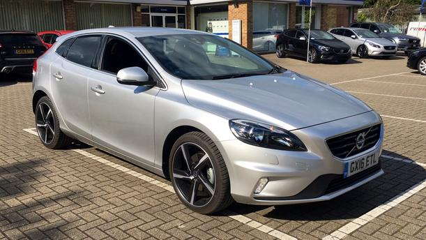 Volvo V40 1969kW for sale Doves Volvo Croydon